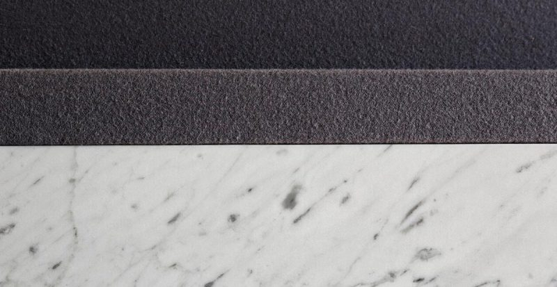 particolare biliardo in marmo