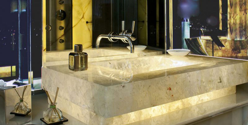 Lavandino in marmo retroilluminato