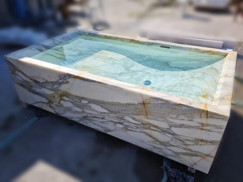 vasca rettangolare in pietra