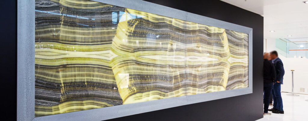 onyx wall with light
