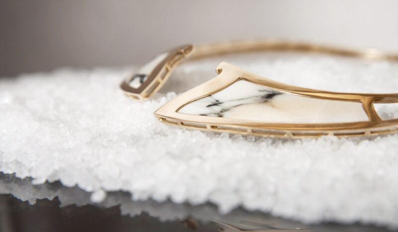 Collana in marmo e oro