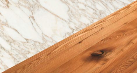Marble and wood, how to combine these two materials in home furnishings.