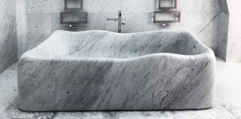 Lightweight bathtub in marble - Nuvola
