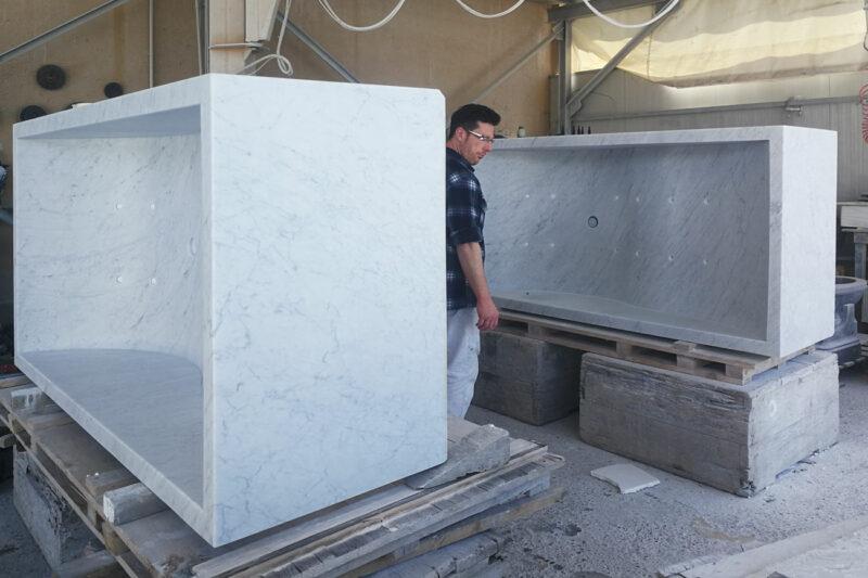 Processing of our white Carrara marble whirlpool bath tub Onda