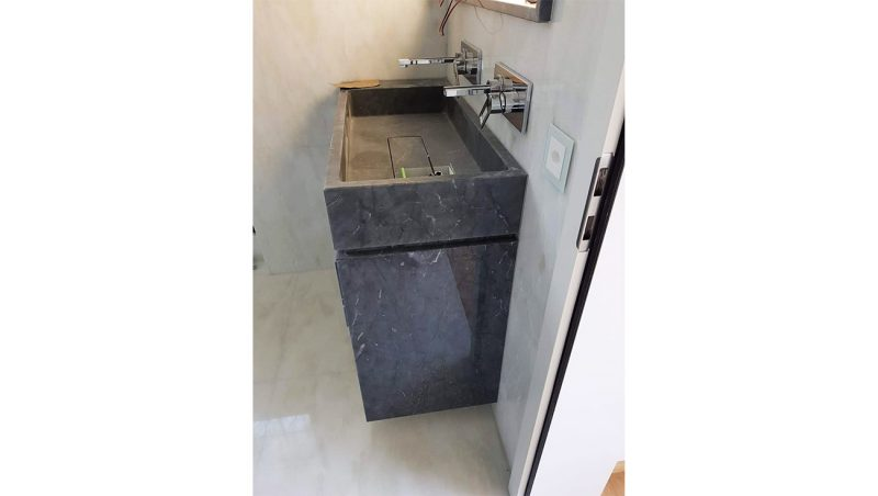 Washbasin in grey bardiglio marble