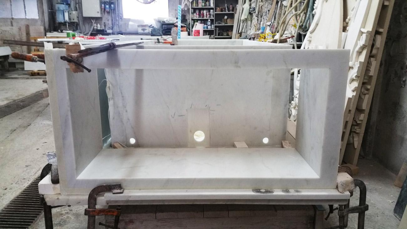 Costruzione della vasca da bagno in marmo riscaldata