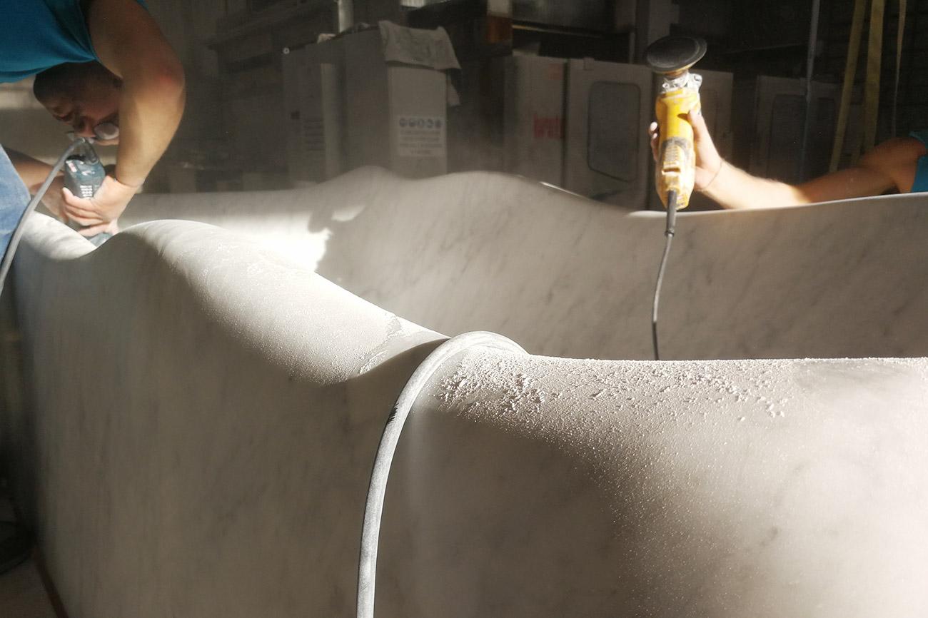 Jeans Vasca Da Bagno : Lavorazione della vasca da bagno nuvola dedalo stone