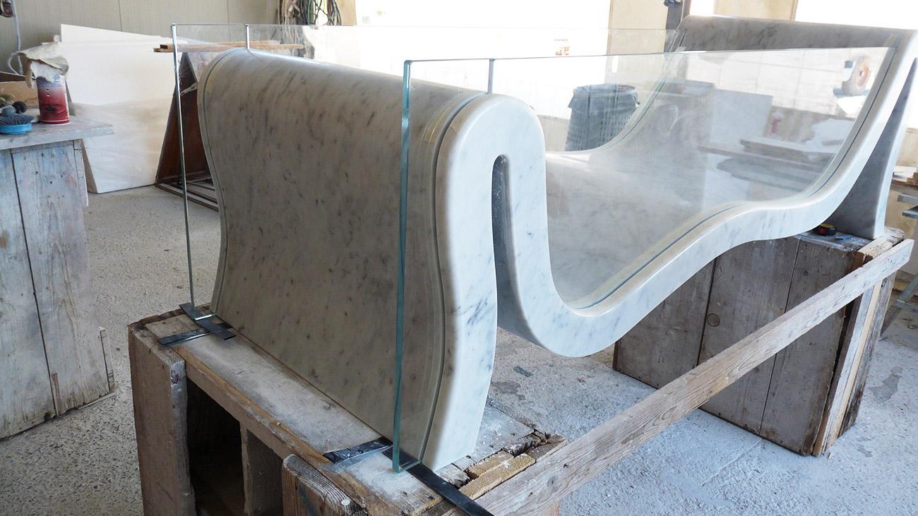 Lavorazione della nostra vasca da bagno in marmo e cristallo Hydra