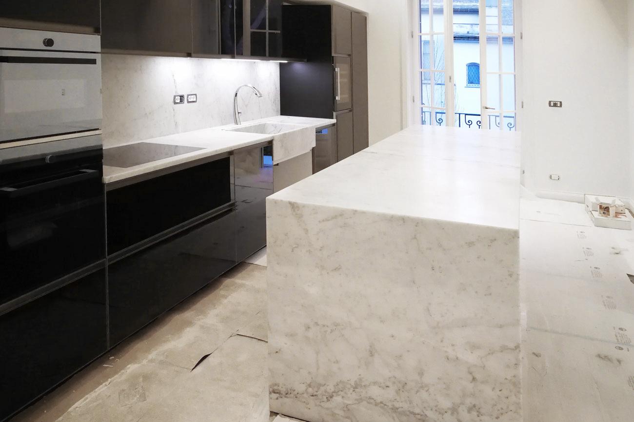 Marble kitchen island custom made in Carrara