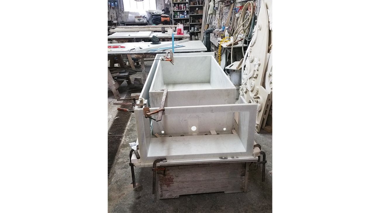 Processing of a heartened marble bathtub