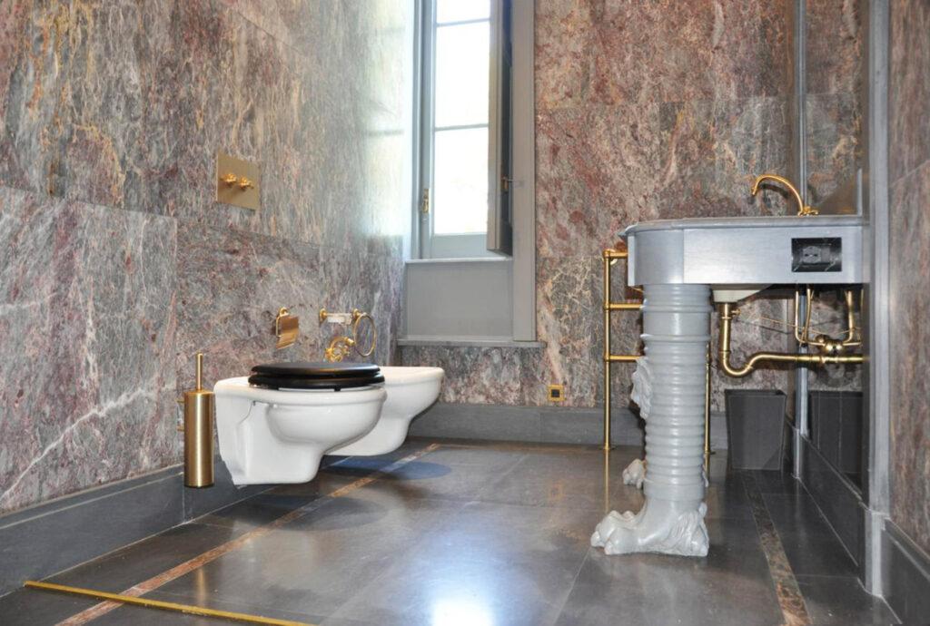 rivestimento in marmo per bagno personalizzato