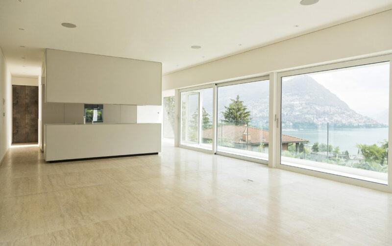 Rivestimenti, Pavimenti e Arredo Bagno in Travertino per Villa di Lusso a Lugano