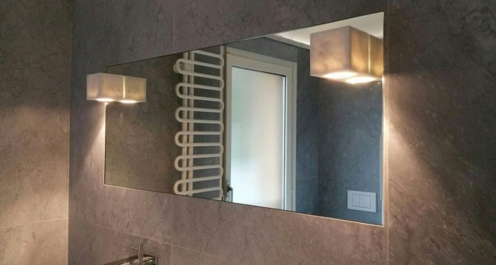 Specchi in Marmo con luce LED per bagni eleganti