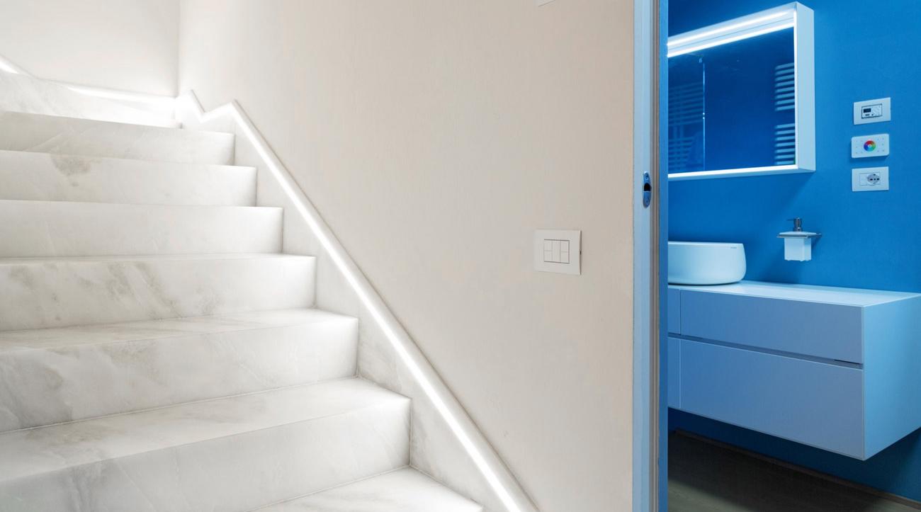 Scale interne in marmo di design