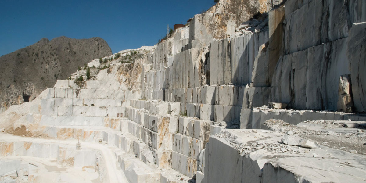 cave di marmo bianco di carrara
