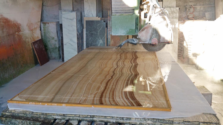 onyx slab for kitchen