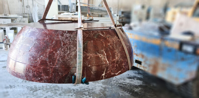 vasca rotonda in marmo rosso lepanto