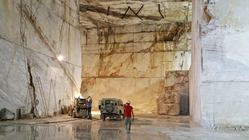 how to visit carrara marble quarries