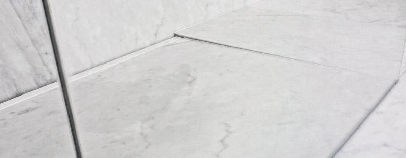 come pulire il pavimento in marmo opaco
