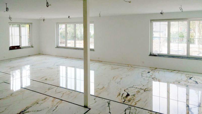 come pulire il pavimento in marmo
